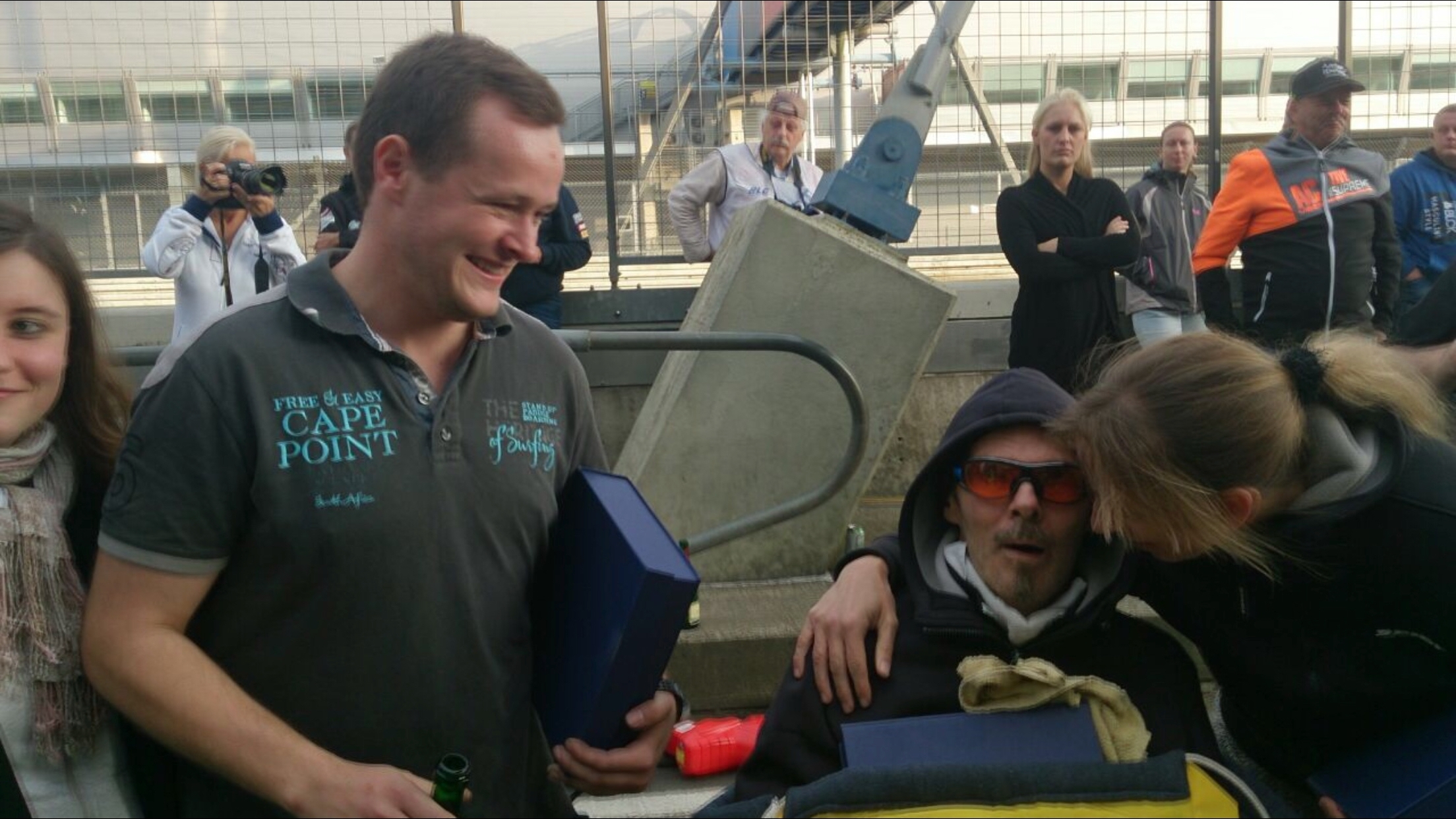 Überraschung: Stefan bekommt Pokale überreicht